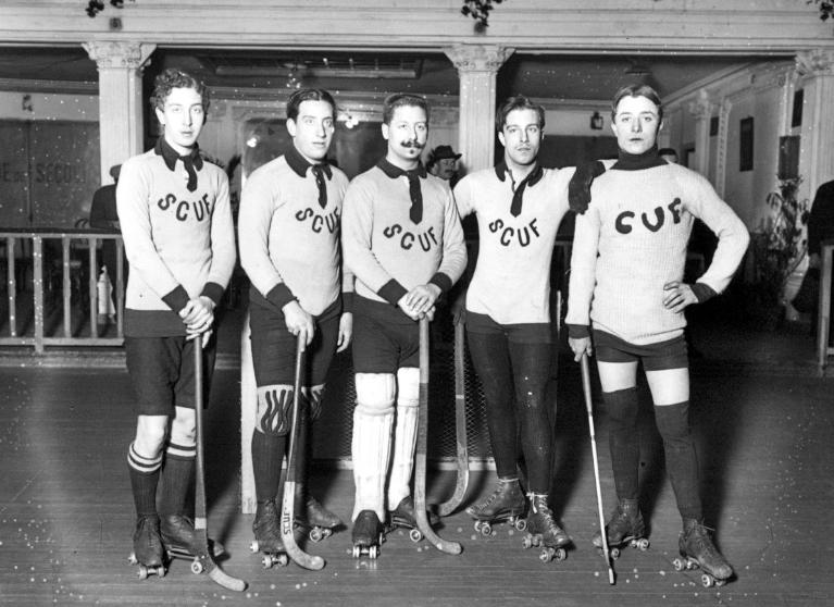 l 39 quipe de hockey du sporting club universitaire de france scuf en 1910 ce club fut fond en. Black Bedroom Furniture Sets. Home Design Ideas