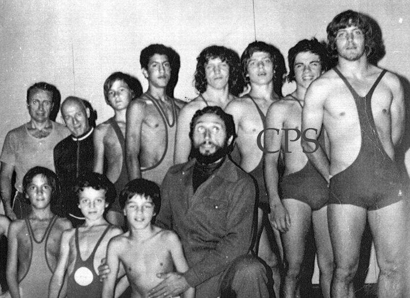 J.Poulet et ses premiers lutteurs.