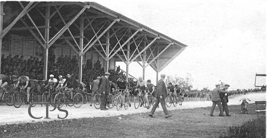 Tribunes du Stade Vélodrome Lombard à Cavaillon