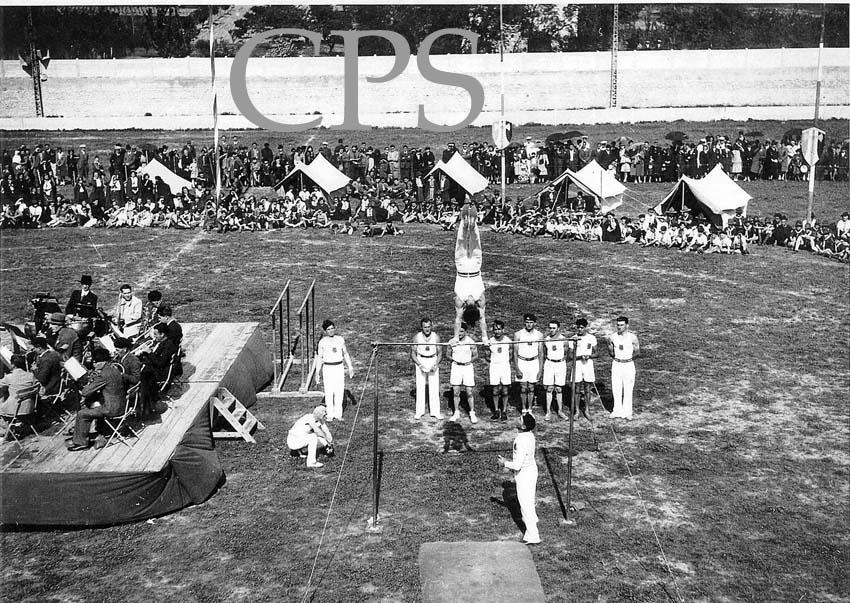 "Démonstration de gymnastique au ""Stade Municipal"" de Carpentras"