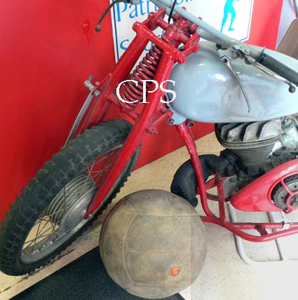 ballon et moto de motoball